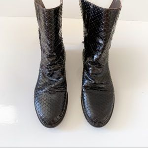 Vero Cuoio snake boots size 36